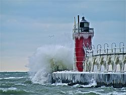 South_Pier_Lighthouse_at_South_Haven,_MI